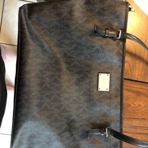 Michael Kors Bags - Michael Kors leather diaper bag